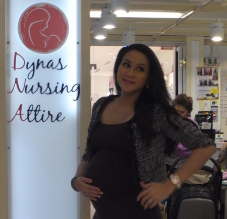 Dynas pregnant Cropped